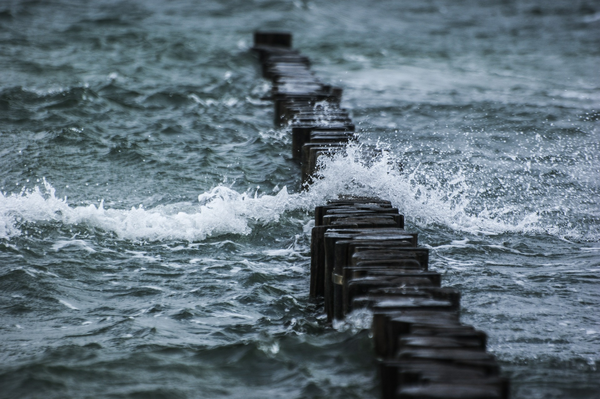 choppy-sea-water